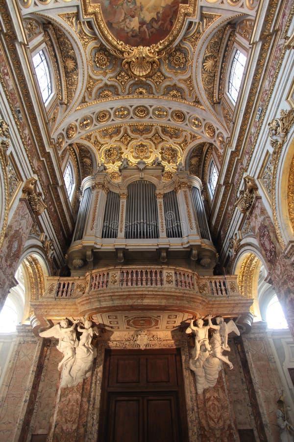 A igreja de St Louis do francês em Roma imagens de stock