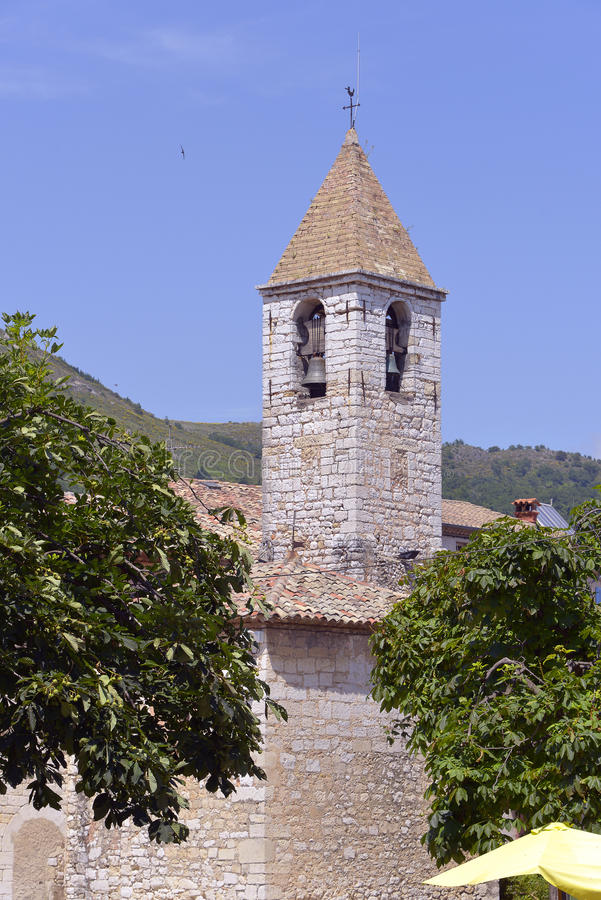 Igreja de Tourrettes-sur-Loup em França fotografia de stock royalty free
