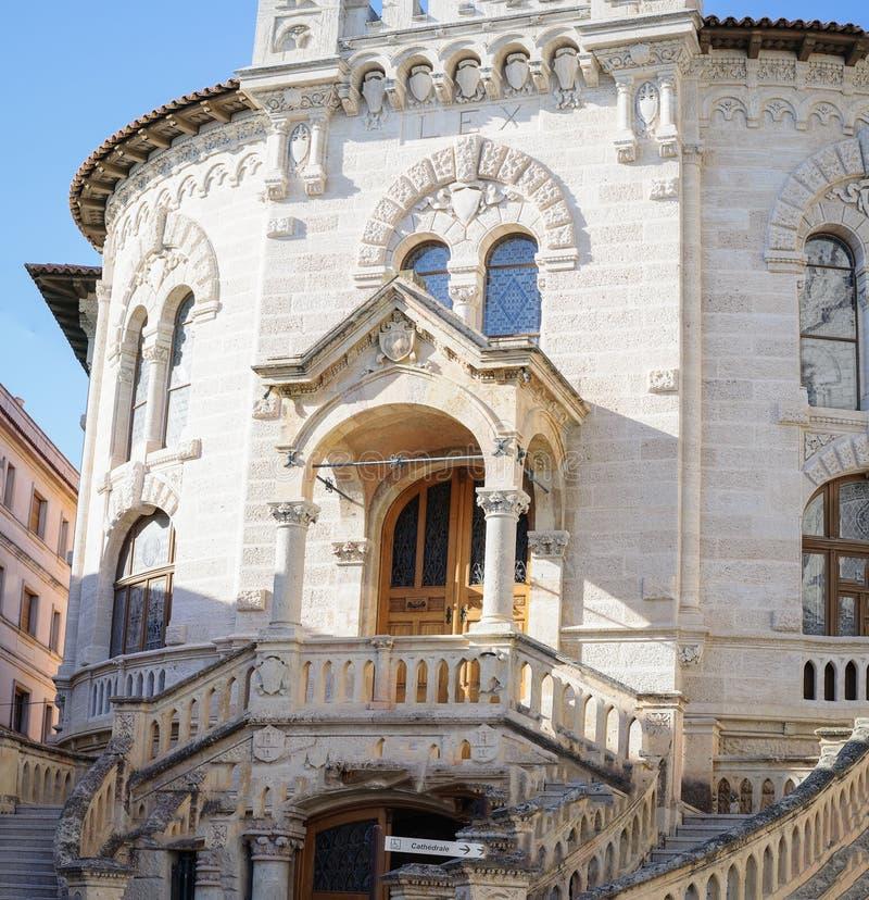 A igreja dedicada ao Saint Nicolas, a catedral de Mônaco é um monumento impressionante fotografia de stock royalty free