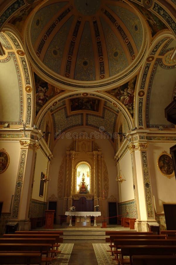 A igreja dentro vê de Vinaros, Valência, Espanha foto de stock