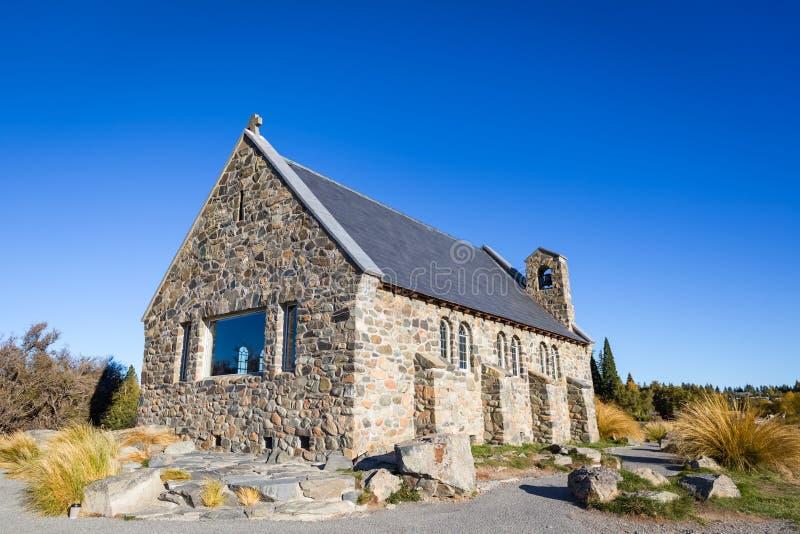 Igreja do bom pastor com o céu azul claro, Nova Zelândia fotos de stock royalty free