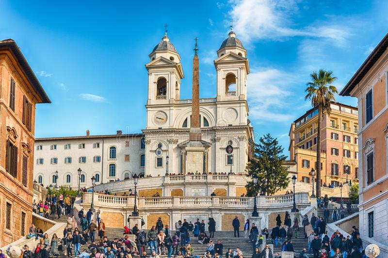 Igreja do dei Monti de Trinita, marco icônico em Roma, Itália fotos de stock