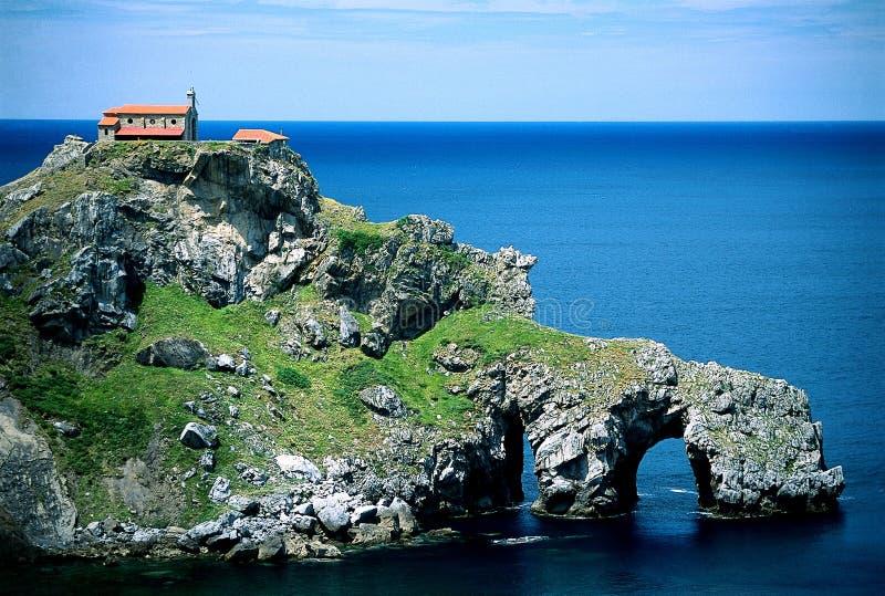Igreja do mar no penhasco imagem de stock