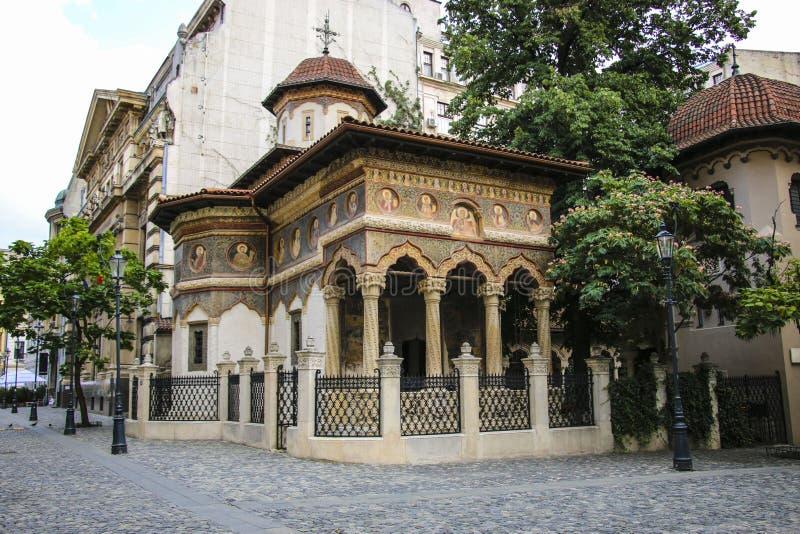 Igreja do monastério, do St Michael e do Gabriel de Stavropoleos no velho imagem de stock