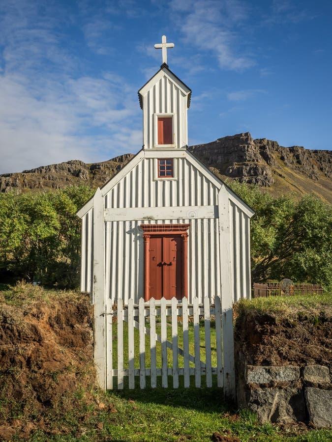 Igreja do país em Islândia fotografia de stock royalty free