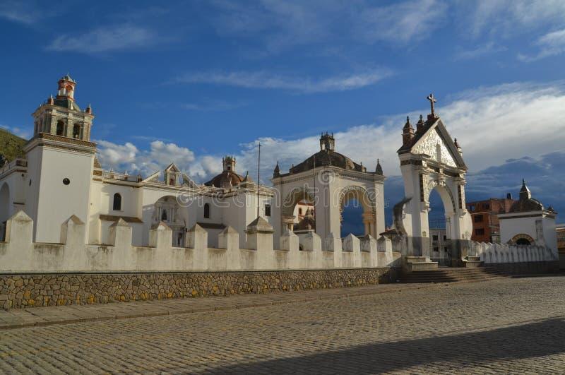 Igreja do peregrino em Copacabana, Titicaca, Bolívia imagem de stock