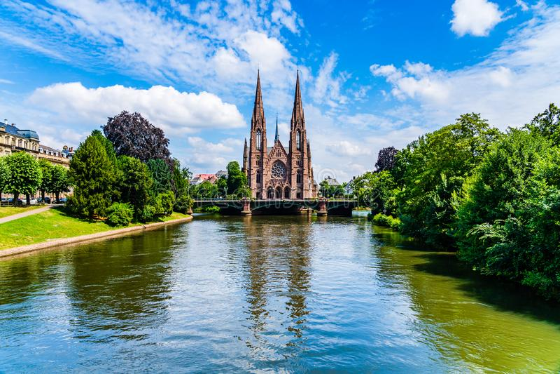 Igreja do ` s de St Paul em Strasbourg, França fotografia de stock royalty free