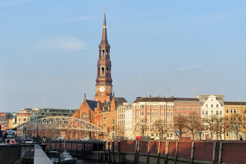 Igreja do St Catherine da vista (Katharinenkirche), Hamburgo, Alemanha imagem de stock