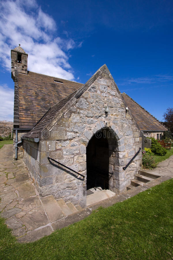 Igreja do St Fillan, Aberdour, Fife fotos de stock