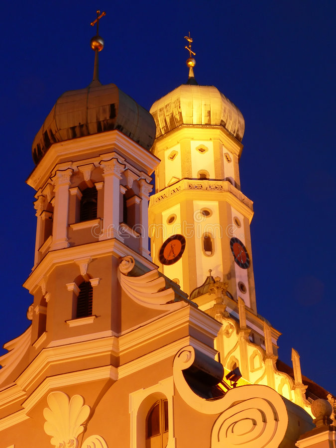 Igreja do St Ulrich na noite fotos de stock