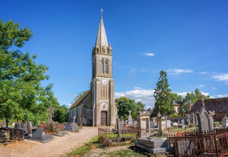 Igreja e cemitério pitorescos de St Par du Mont em Normandy fotografia de stock royalty free