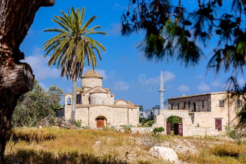 A igreja e o monastério de Panagia Kanakaria no turco ocuparam o lado de Chipre fotos de stock royalty free