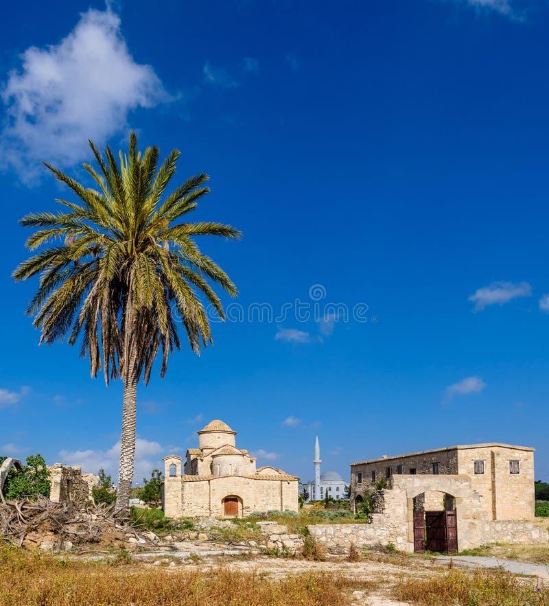 A igreja e o monastério de Panagia Kanakaria no turco ocuparam o lado de Chipre 18 fotografia de stock
