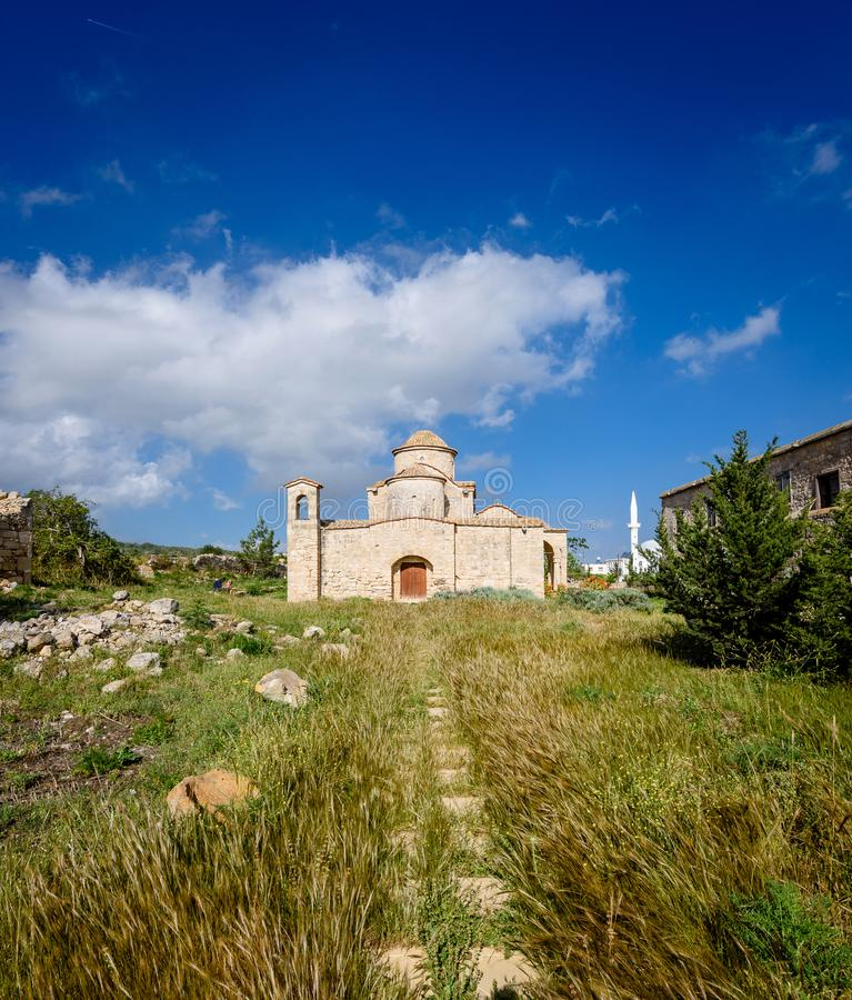 A igreja e o monastério de Panagia Kanakaria no turco ocuparam o lado de Chipre 27 imagens de stock