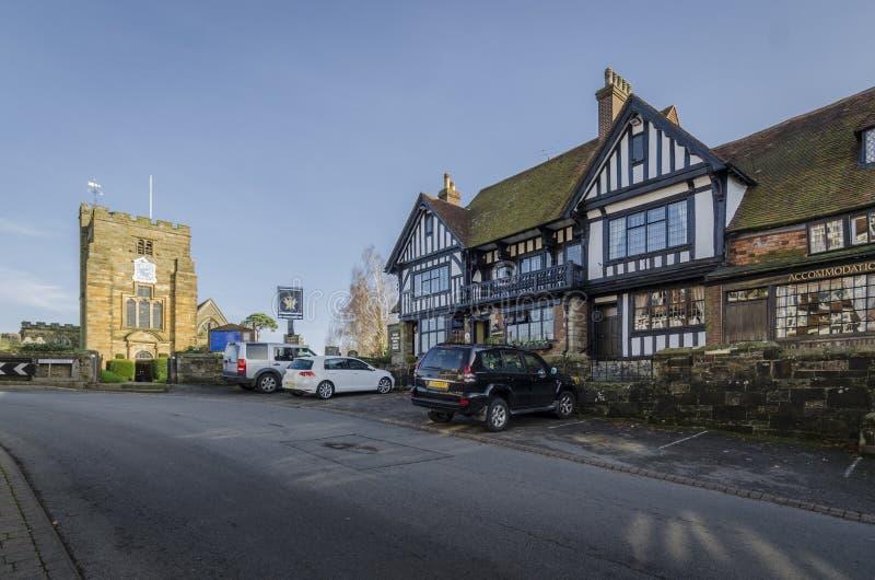Igreja e vila bonita de Goudhurst, Kent, Reino Unido imagem de stock