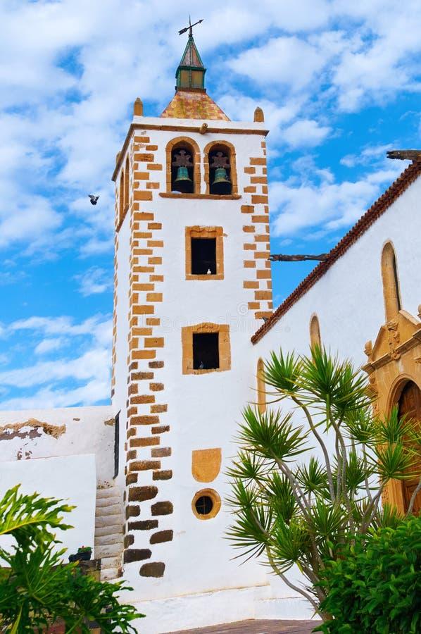 A igreja em Betancuria, uma capital velha de Fuerteventura, canário é fotografia de stock royalty free