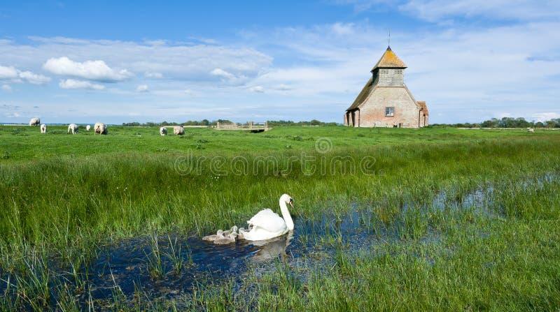 Igreja em Fairfield em Romney Marsh, Reino Unido imagens de stock