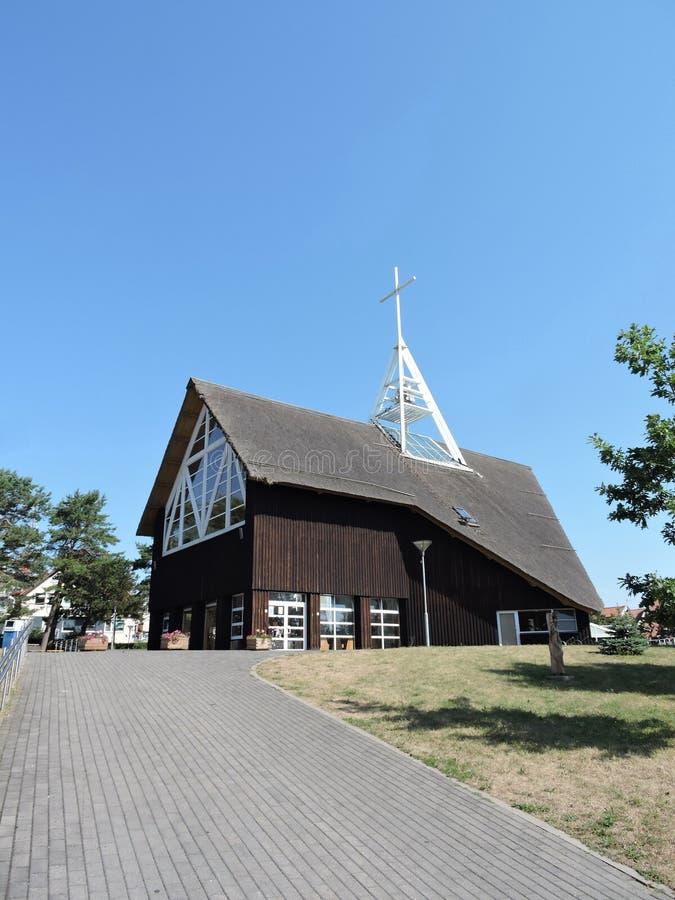 Igreja em Nida, Lituânia fotografia de stock royalty free