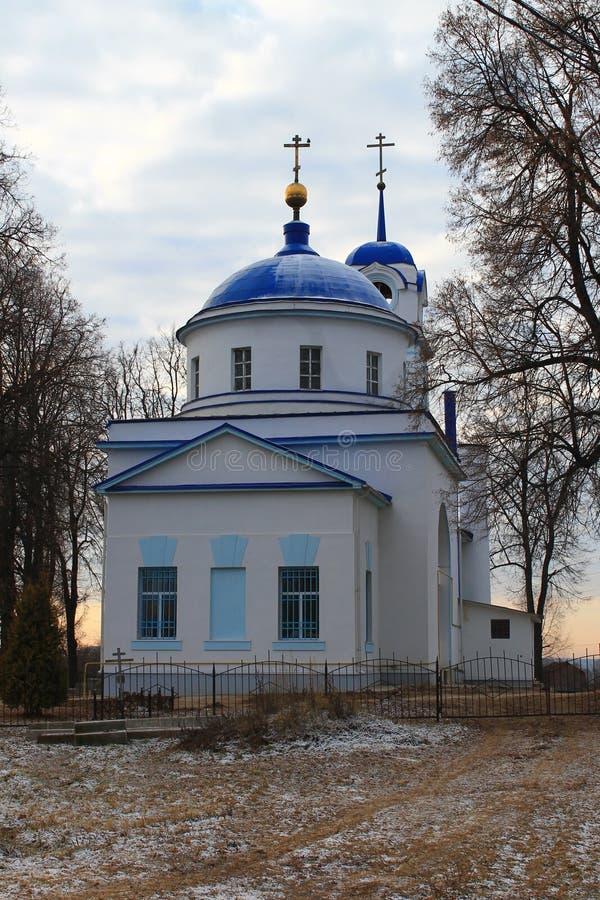 A igreja em Rússia Ícone de Tikhvin da mãe do deus fotos de stock