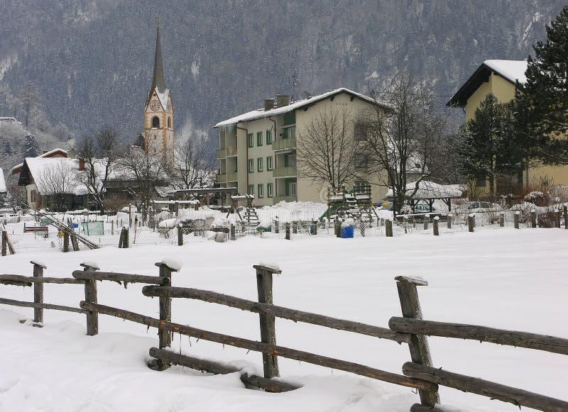 Igreja em Sachsenburg, Áustria fotografia de stock