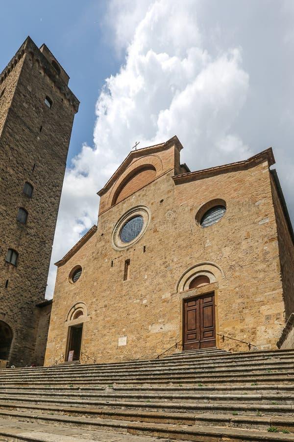 Igreja em San Gimignano, Itália fotos de stock