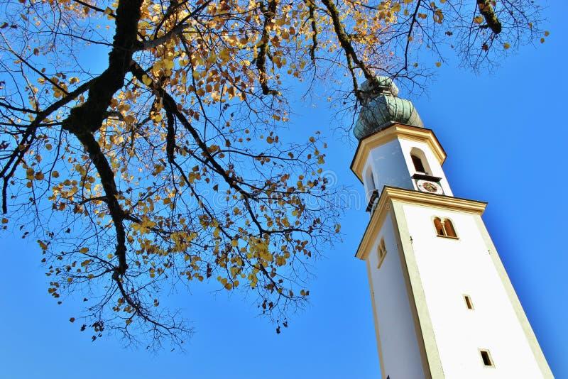 Igreja em St Gilgen no lago Wolfgangsee, Áustria, Europa fotos de stock royalty free