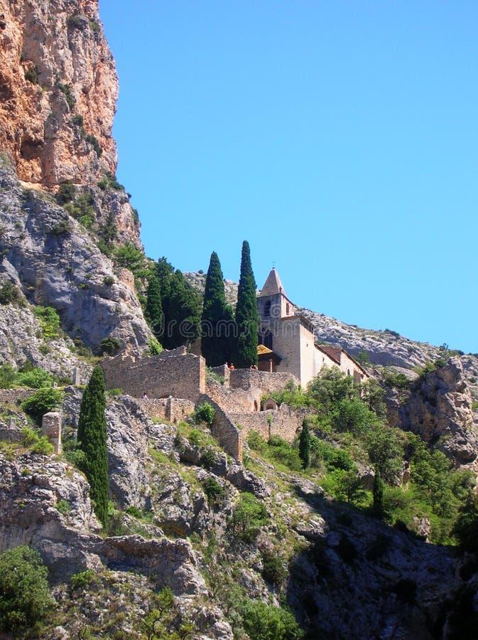 Igreja entre as rochas - France imagem de stock