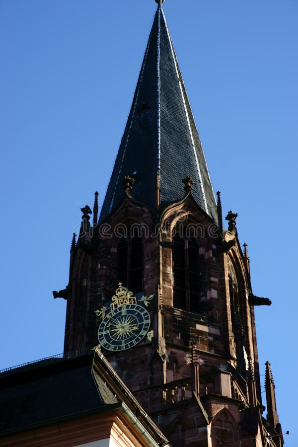 Igreja escolar da torre de St Peter e de Alexander Aschaffenburg imagem de stock royalty free