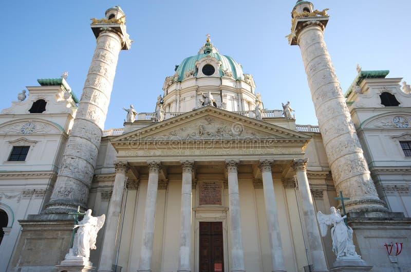 Igreja famosa Karlskirche (Viena, Áustria) foto de stock