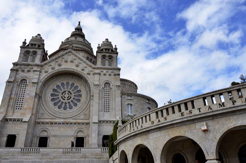 Igreja hist?rica em Portugal foto de stock