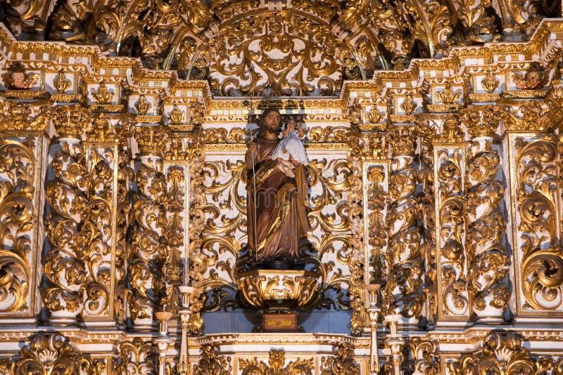 Igreja interior e Convento de São Francisco en Bahía, Salvador - el Brasil fotografía de archivo