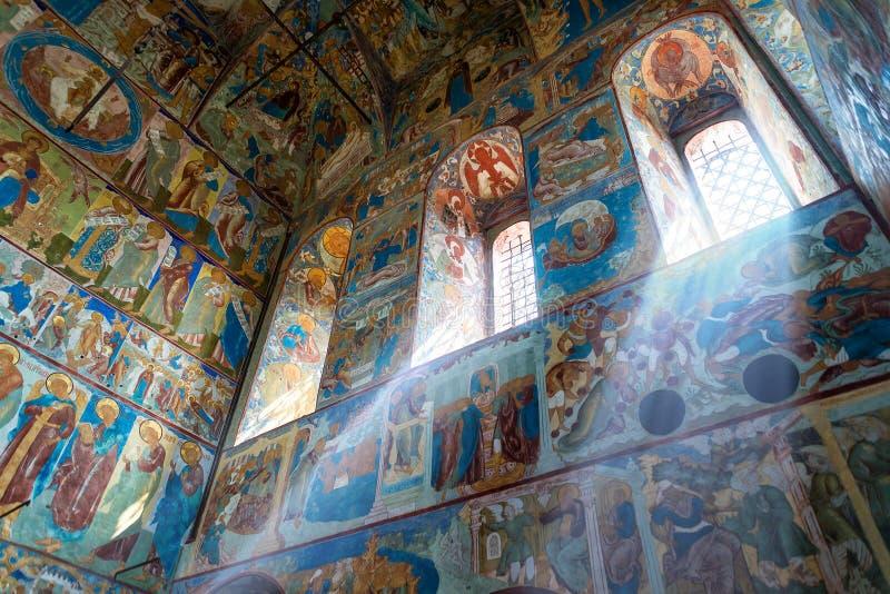 Igreja interna de St John o evangelista no Kremlin de Rostov foto de stock royalty free