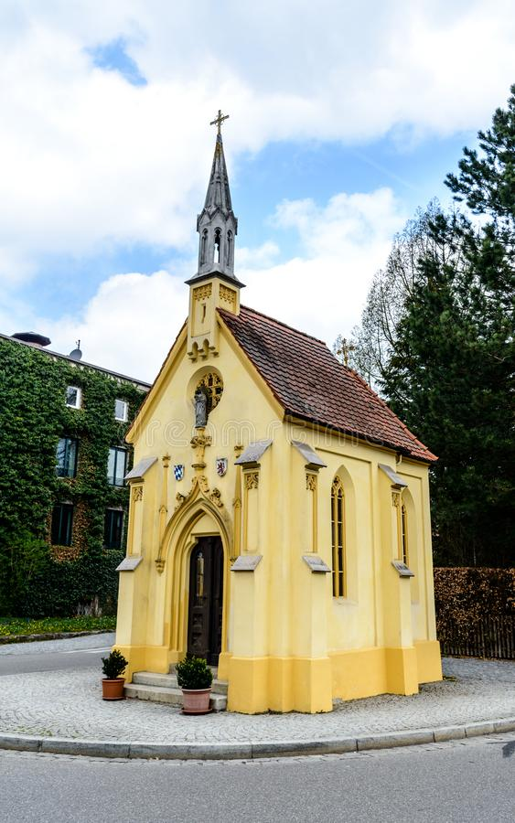 Igreja Kapelle em Wasserburg avaria Bayern, Alemanha fotografia de stock