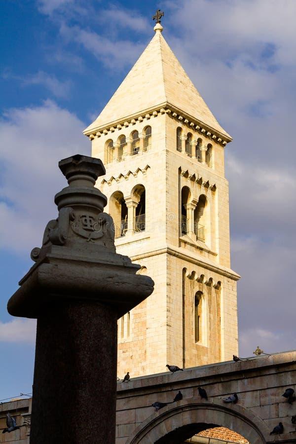 A igreja luterana do redentor (Erlöserkirche), cidade velha da torre do Jerusalém fotos de stock royalty free