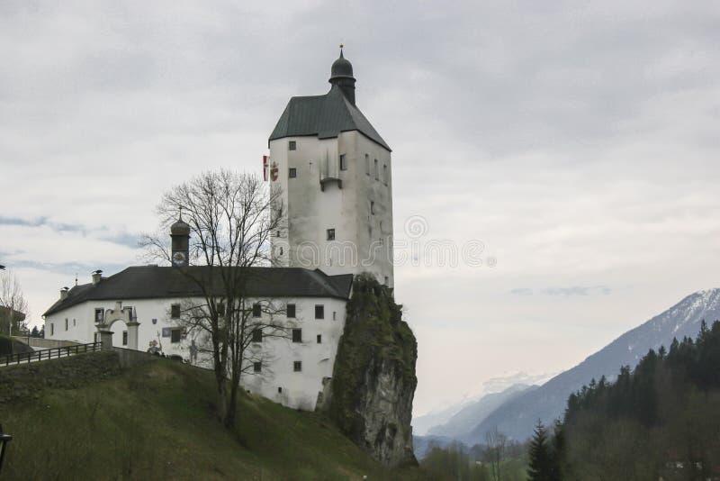 Igreja Mariastein da peregrinação em Tirol fotos de stock royalty free