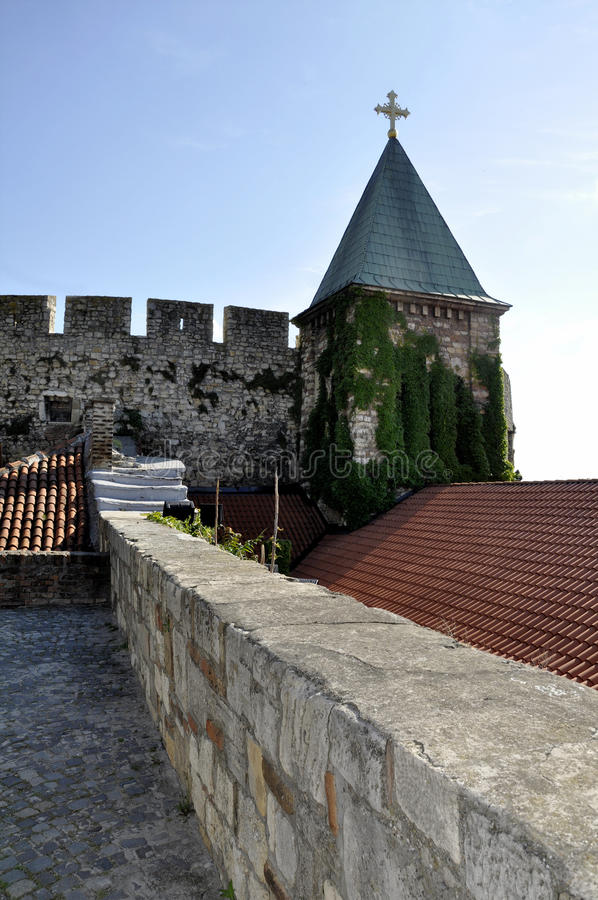 Igreja medieval de St Petka na fortaleza de Kalemegdan Sérvia de Belgrado Beograd imagem de stock