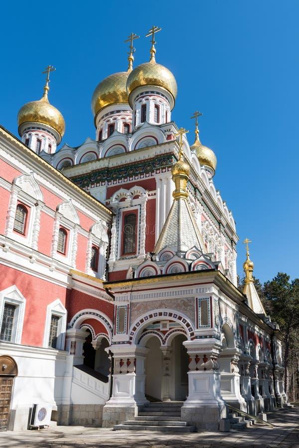 Igreja memorável de Rozhdestvo Hristovo em Shipka, Bulgária imagem de stock