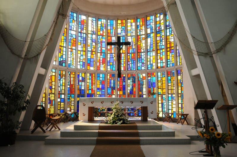 A igreja moderna da doninha do tampão fotografia de stock