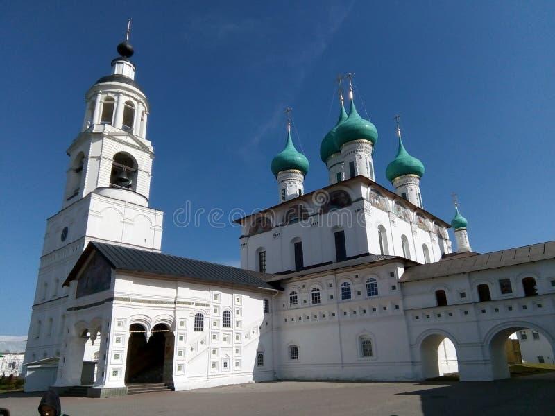 Igreja na cidade de Yaroslavl fotografia de stock royalty free