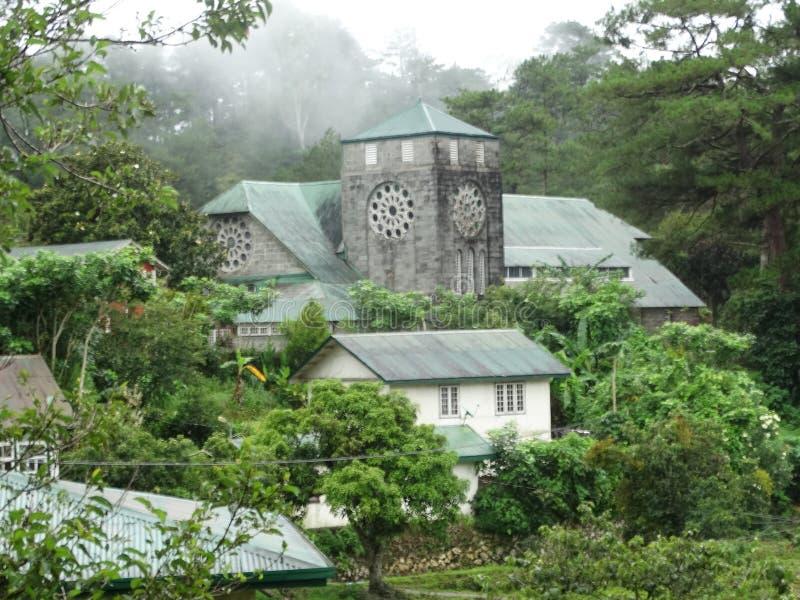 Igreja na entrada para ecoar o vale de Sagada, Filipinas imagens de stock