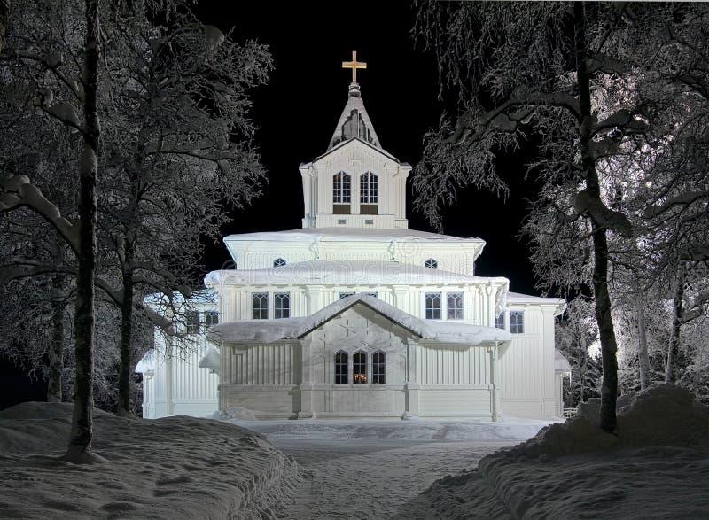 Igreja na noite do inverno, Sweden de Gallivare foto de stock royalty free