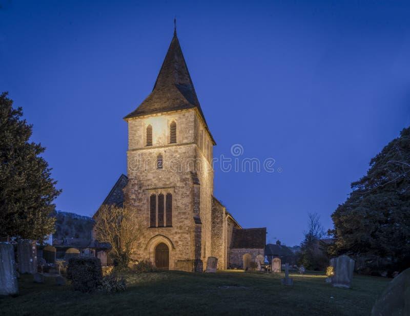 Igreja na noite, Kent de Detling, Reino Unido fotos de stock royalty free