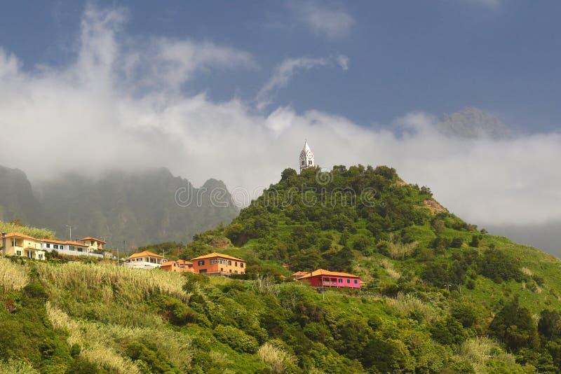 Igreja na vila de Vicente do Sao em Madeira, Portugal imagens de stock royalty free