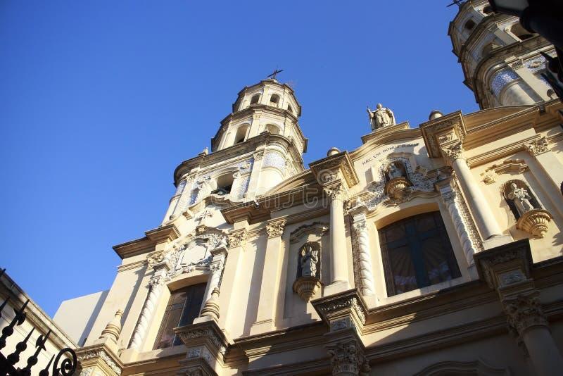 Igreja na vizinhança histórica San Telmo em Buenos Aires, Argentina foto de stock royalty free