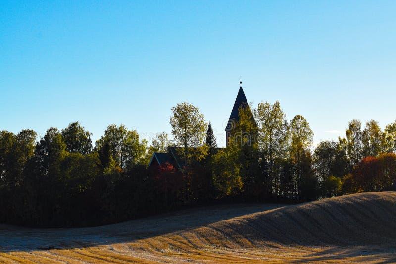Igreja no condado Noruega de Hamar Hedmark imagens de stock royalty free