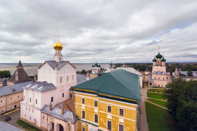 Igreja no Kremlin de Rostov o grande foto de stock