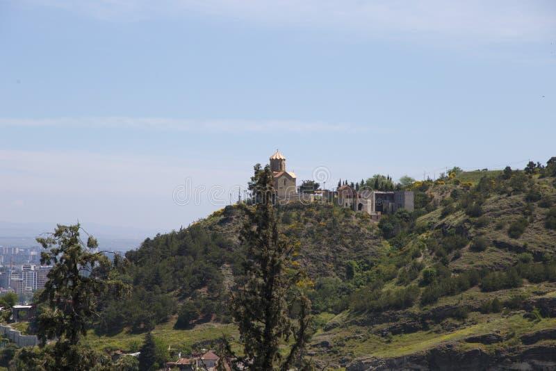 A igreja no monte de Tbilisi Geórgia fotos de stock