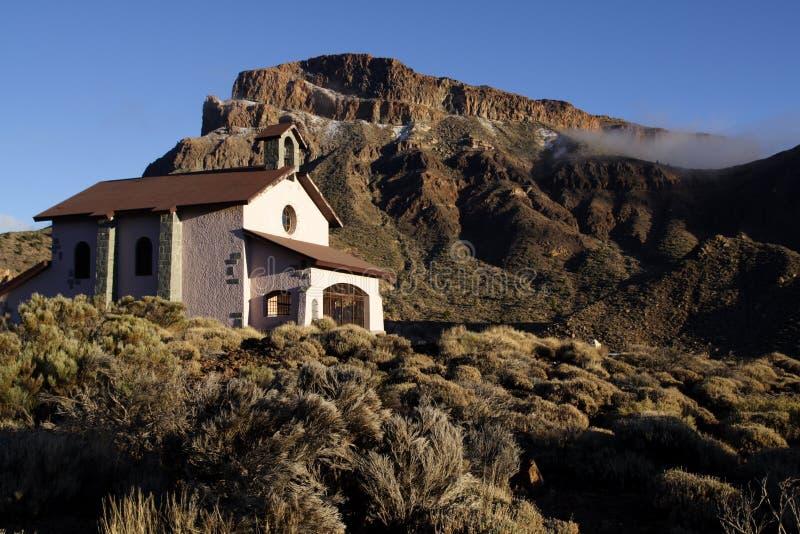 Igreja no parque nacional de Teide imagens de stock