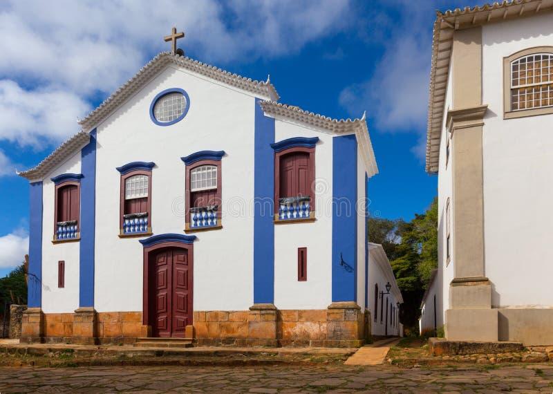 Igreja no ruas da cidade histórica Tiradentes Brasil imagens de stock royalty free