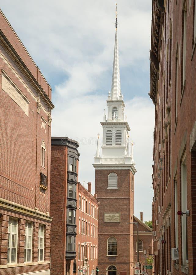 Igreja norte velha e o passeio da meia-noite de Paul Revere imagens de stock royalty free